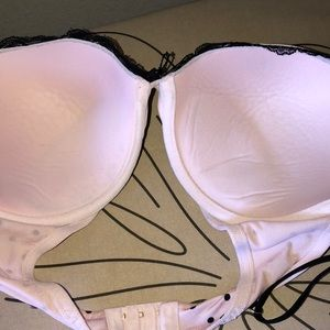 Victoria's Secret Intimates & Sleepwear - Victoria's Secret very sexy push-up bra  sz36 DD